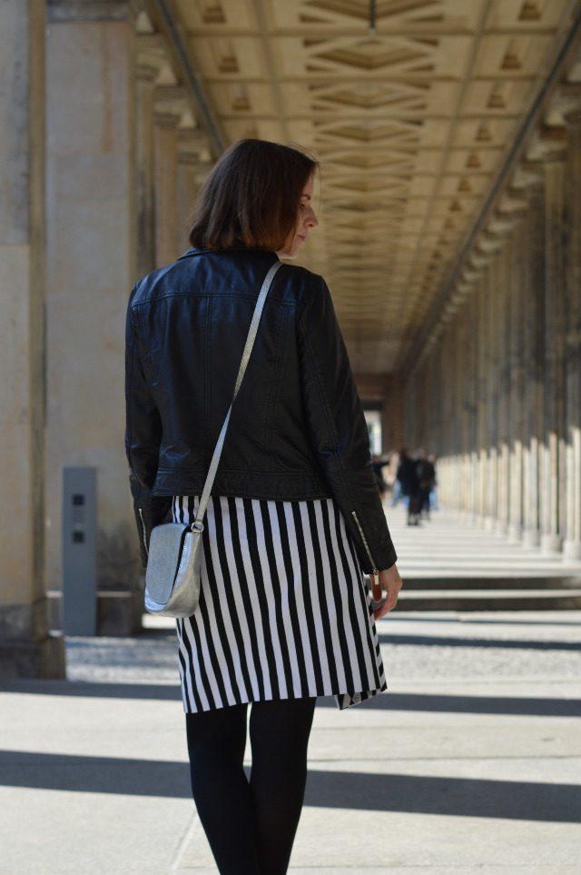 How to winterproof your outfit - Mango leather biker jacket, black wool turtleneck, me-made striped wrap pattern Grande Arche Skirt of Sewionista Patterns, silver Abro bag... Sewionista.com ... Sewing ... Slow Fashion ... DIY ... Blog
